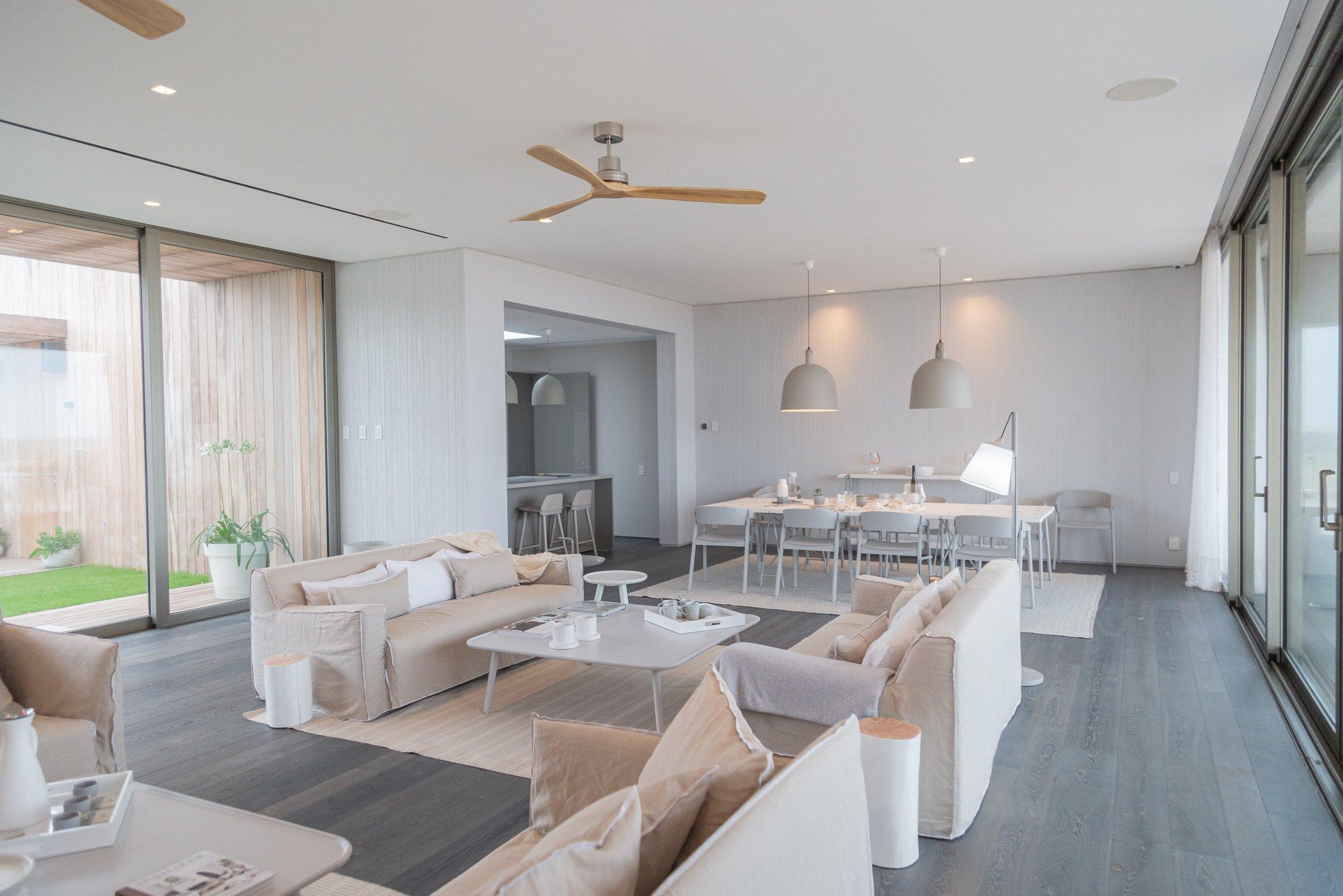 Beach House - Uruguay - FB Hout